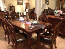 简约实木餐桌